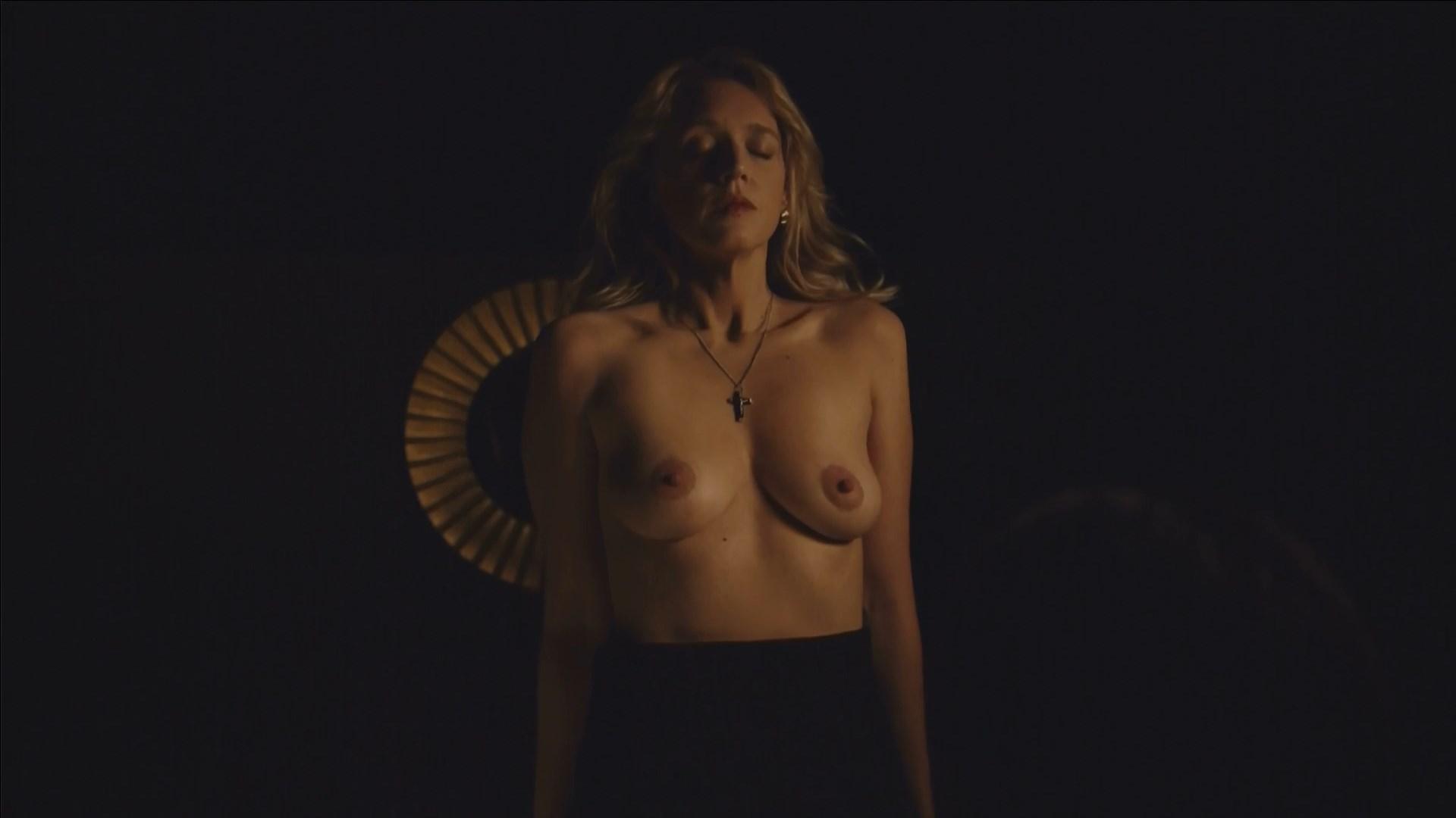 Nackt Allison Cratchley  Allison Cratchley: