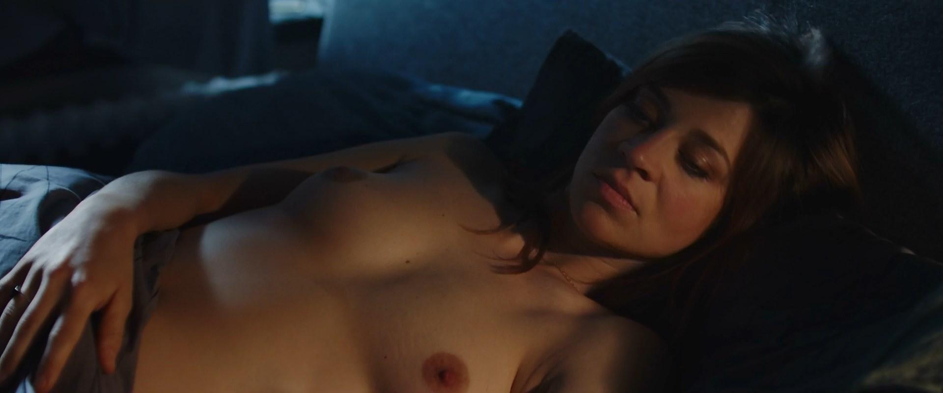 Ella nackt