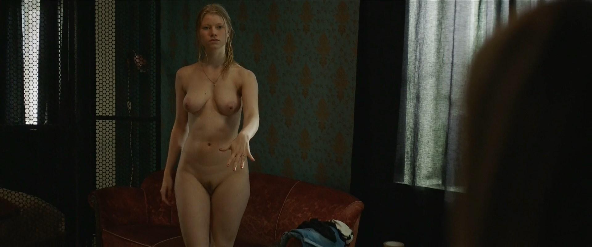 Milena Karas  nackt
