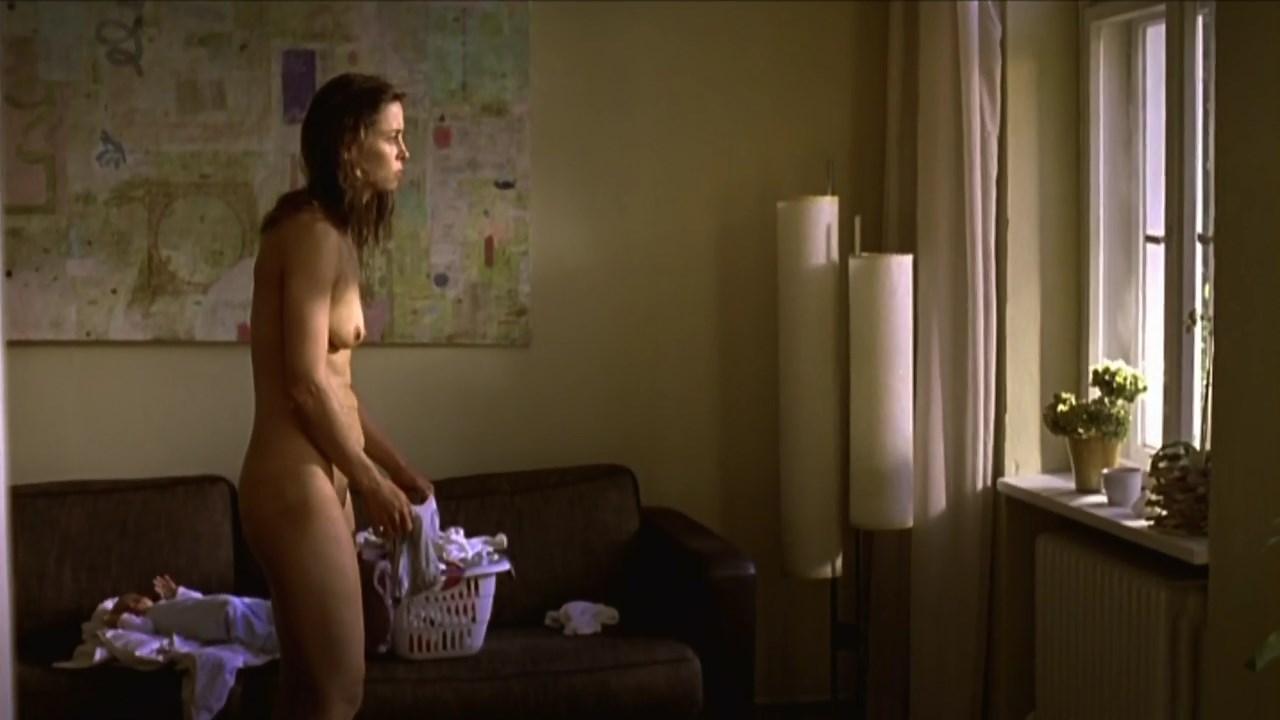 Emmanuelle nackt Sarsi  Sexy Actress