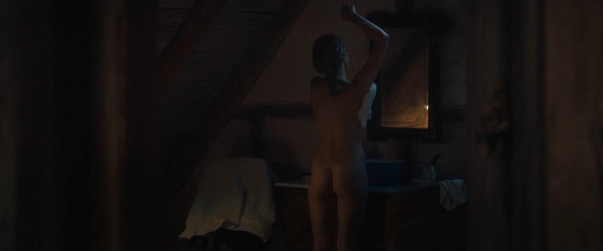 Sarah Foret  nackt