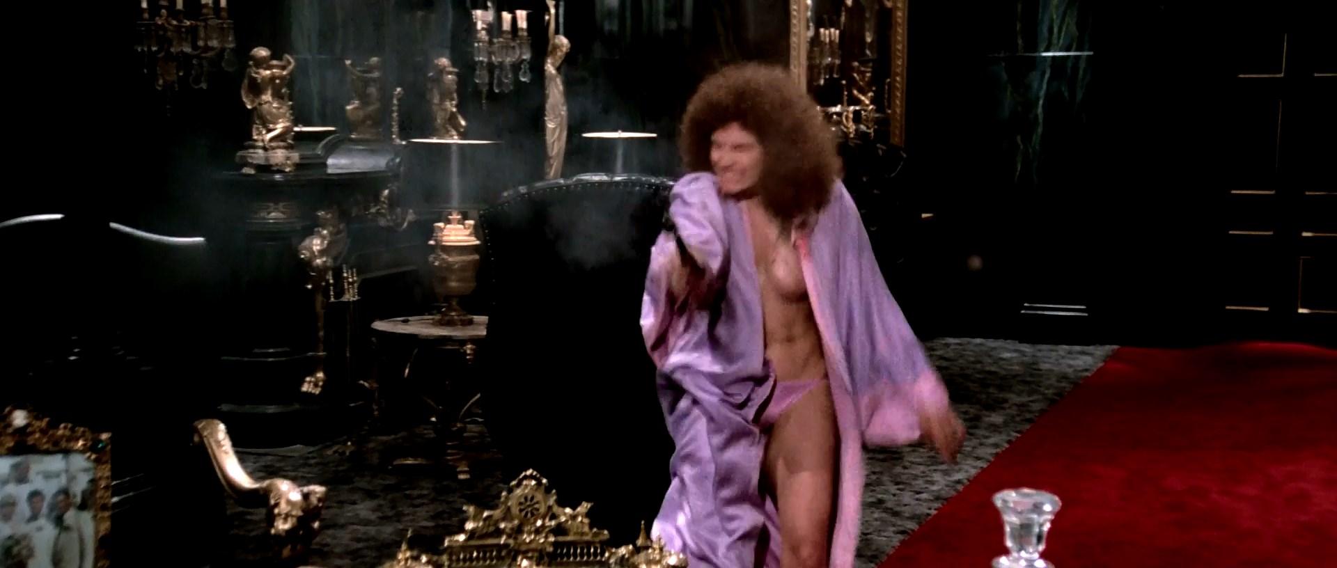 Nude mary elizabeth mastrantonio Mary Elizabeth