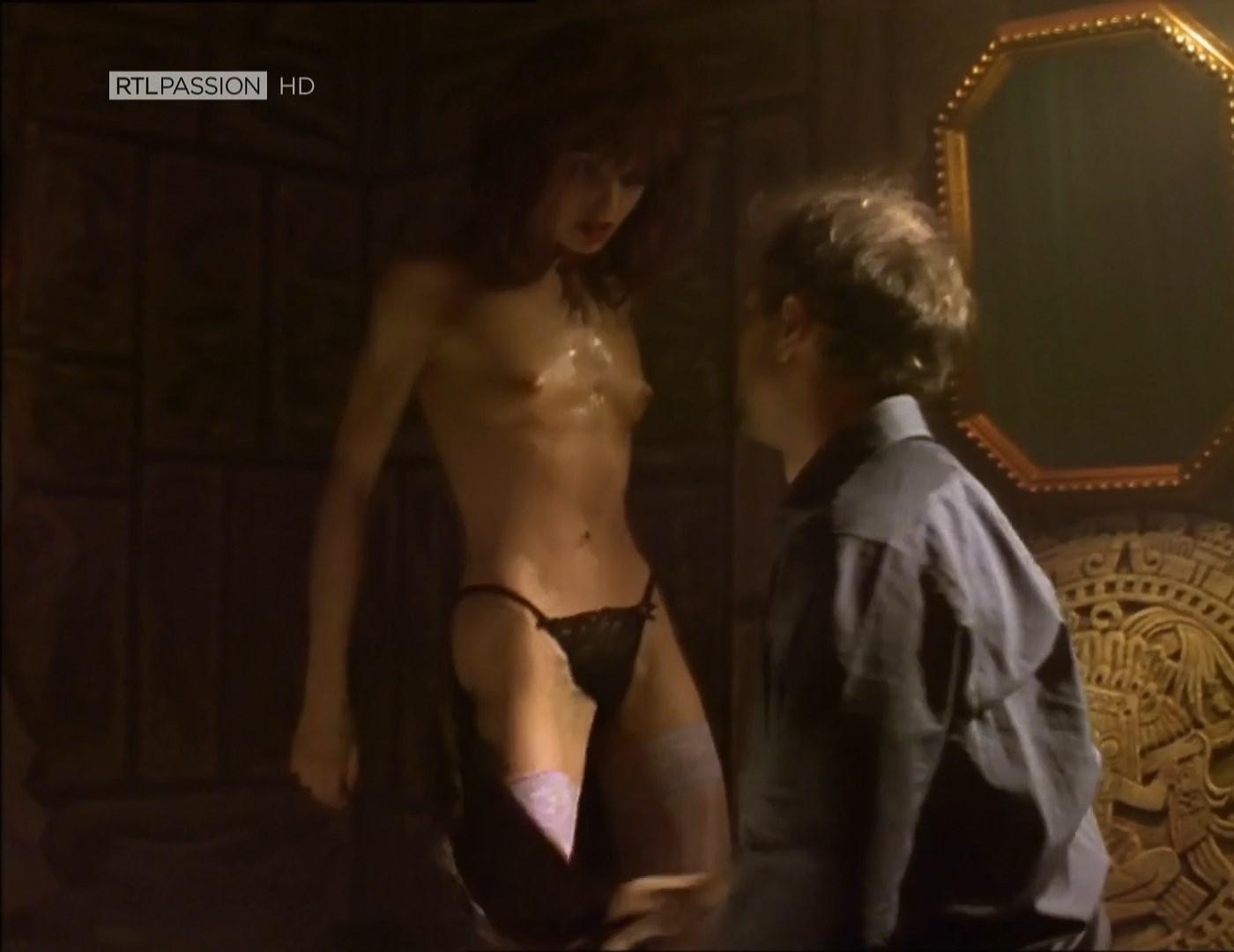 Dolores nackt Bouckaert TEASER Gallop