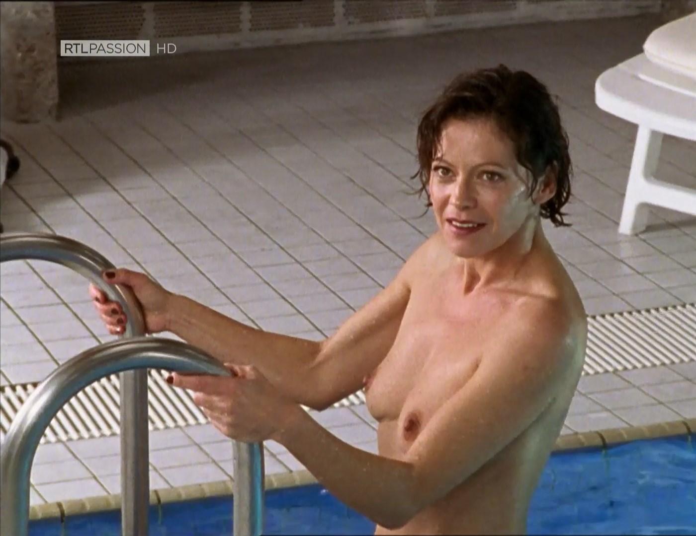 Robinson nackt Angela  Best Nude