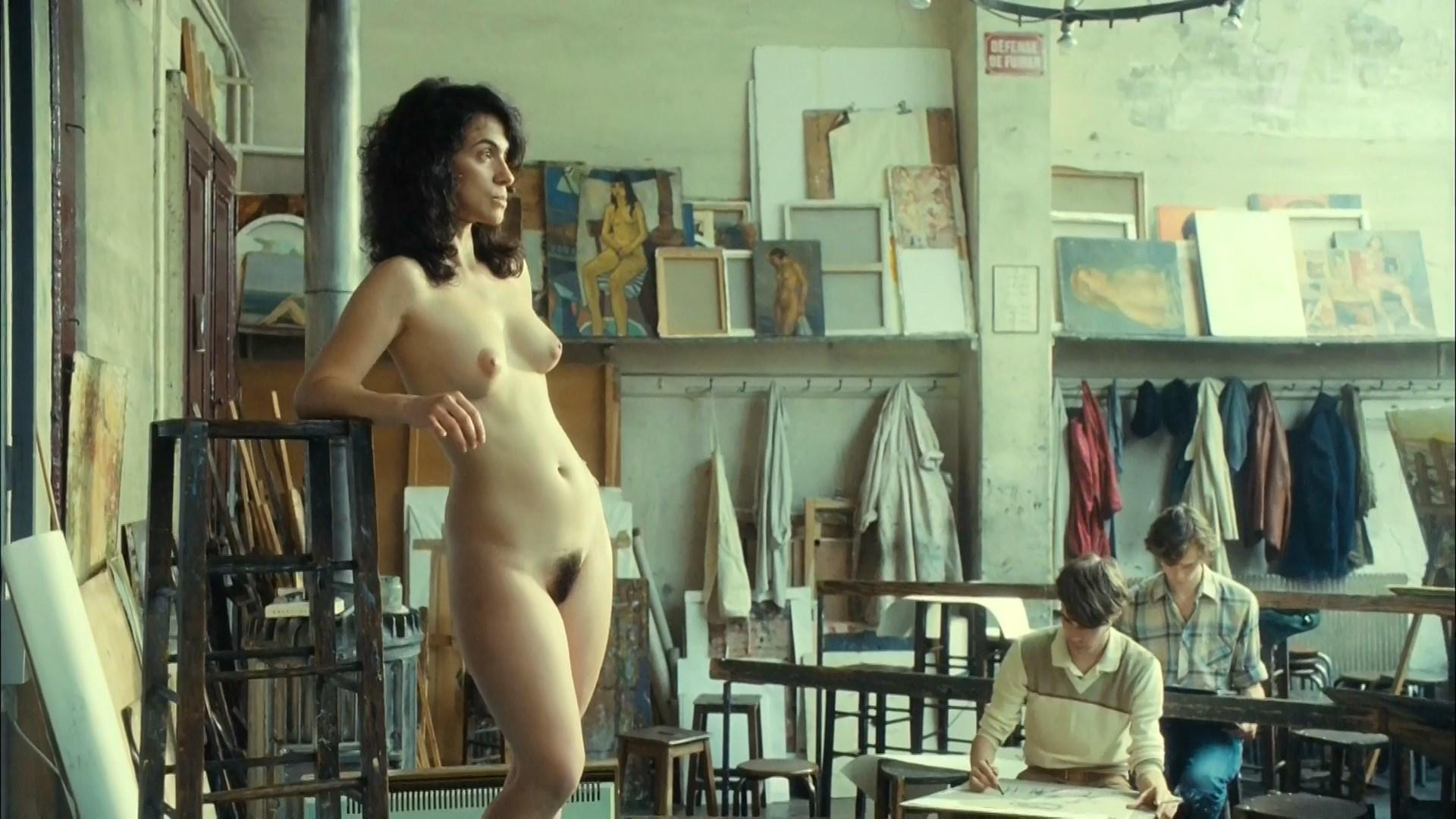 Nude combes Phoebe Combes
