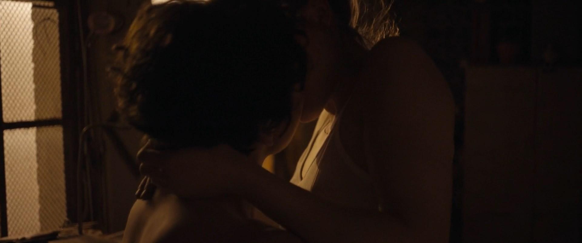 Mala emde nude